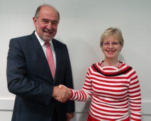 Landrat Gailler und Frau Dr. Ingrid Schwarz-Aldorf, Vorsitzende der Hausarztfachgruppe